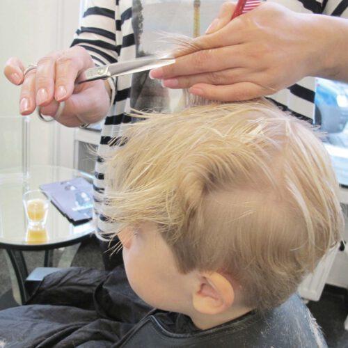 Kleine Struwwelpeter – Tipps für den Friseurbesuch
