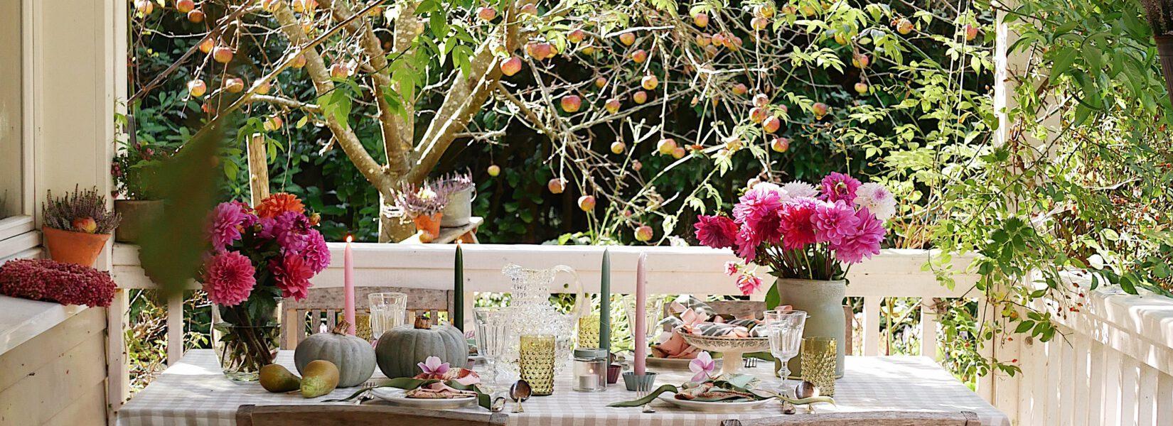 """Jetzt wird´s romantisch! – eine Herbsttafel auf der Terrasse des """"Cottage Garten"""""""